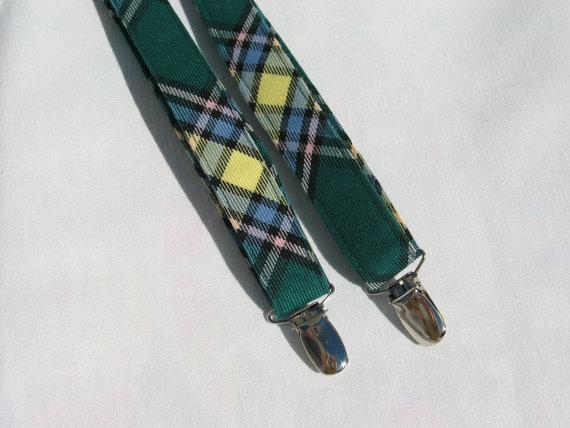 Mariage - Alberta Tartan Suspenders, Green Plaid Suspenders, Little Boy Clothing, Photo Prop, Toddler Wedding Suspenders,  Ring Bearer Braces