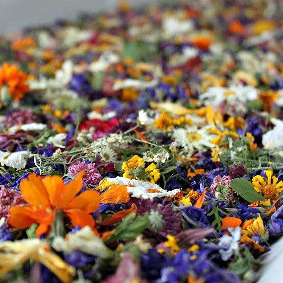 Hochzeit - Dried Flower Confetti, Wedding Confetti, Flower Petals, Dried Flowers, Petal Confetti, Wedding Decor, Tossing Flowers, Aisle, Flower Girl