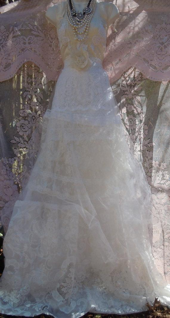 Hochzeit - Lace white ivory wedding dress tulle  tiered  vintage  bride outdoor  romantic small by vintage opulence on Etsy