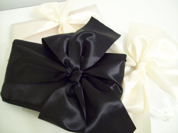 Wedding - Bow clutch (Monogram available) - Bridesmaid gifts, bridesmaid clutches, bridal clutches wedding party