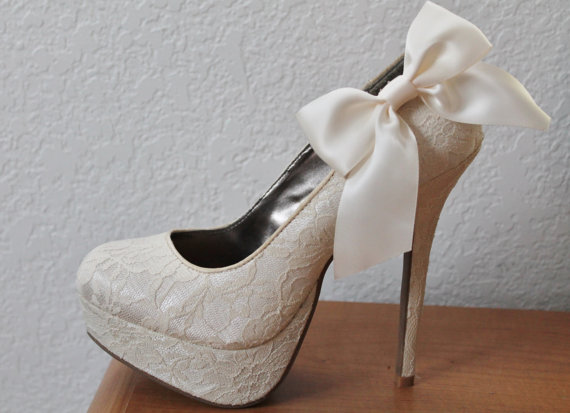Свадьба - Ivory Ribbon Bow Shoe Clips - 1 Pair