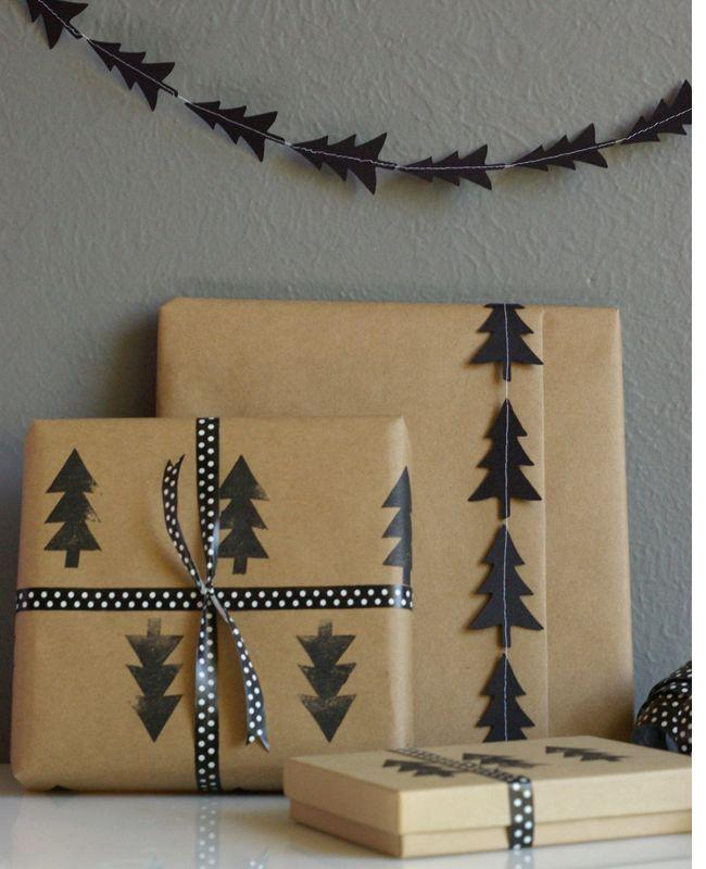 Hochzeit - DIY Black Tree Garland And Stamped Wrapping Paper