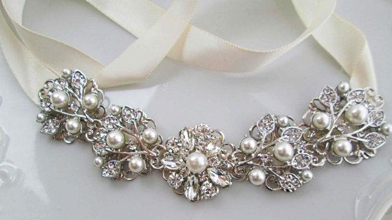 Свадьба - Bridal belt,  Jeweled ribbon, Wedding Sash, Ivory Pearl, Ribbon Sash, pearl Silver, Crystal Rhinestone, vintage style, pearl bridal belt