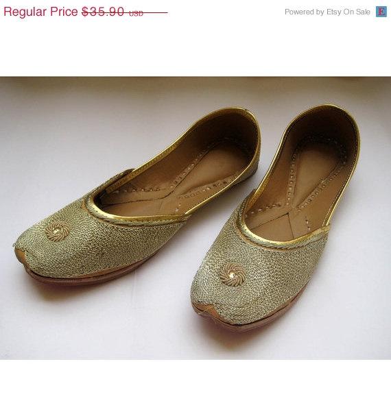 Mariage - VALENTINE DAY SALE 20% Us size 7/Gold Flats/Bridal Shoes/Wedding Shoes/Bridal Ballet Flats/Wedding Flats/Sequins Flats/Sequins Bridal Ballet