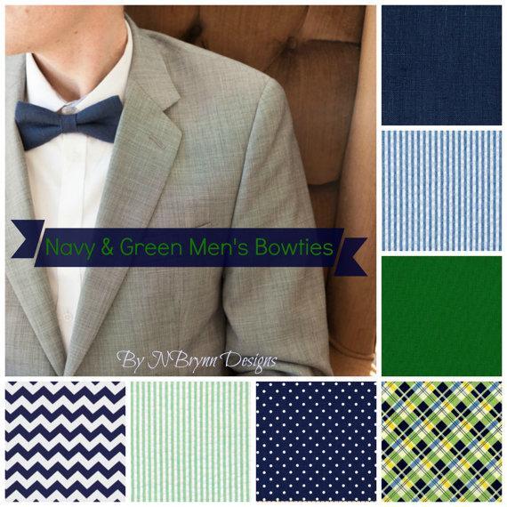 Свадьба - Men's navy and green bowties - navy green white wedding bowtie, nautical wedding, southern charm, seersucker, groomsmen, ushers, ring bearer