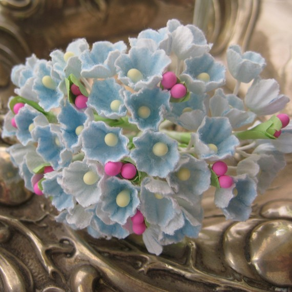 Mariage - Forget Me Nots Flowers An Old Fashioned Favorite in Light Blue One Bouquet