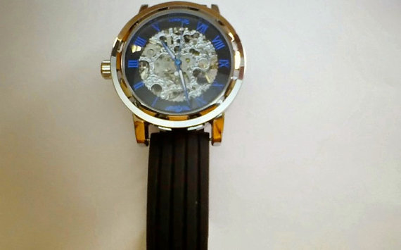 Свадьба - Men's Steampunk Mechanical Skeleton Wrist Watch with Black and Blue Face and Black Rubber Watch Band -Groomsmen and Wedding Gift