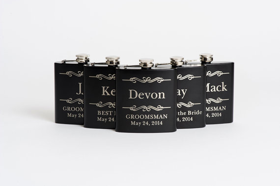Свадьба - Engraved Groomsmen Gift, Personalized Flasks, Black Stainless Steel Flasks, Wedding Party Flasks