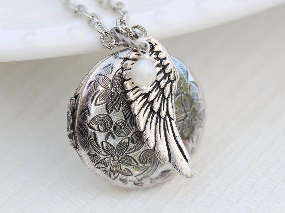 Свадьба - Angel Wing,Locket,Jewelry Gift,Silver Locket,Antique Locket,Girl,Child,Baby,Girl Locket,Pearl, wedding necklace,flower girl locket necklace