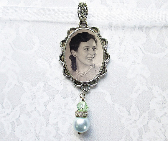Mariage - Memorial Bouquet Photo Charm WITH OR WITHOUT Pearl Dangle #36 - Rhinestone Custom Oval Antique Silver