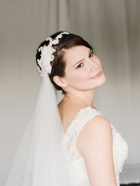 Mariage - Fingertip Wedding Veil with Lace Headpiece, Detachable Veil with Lace Headband, Custom Length Veil in White or Ivory