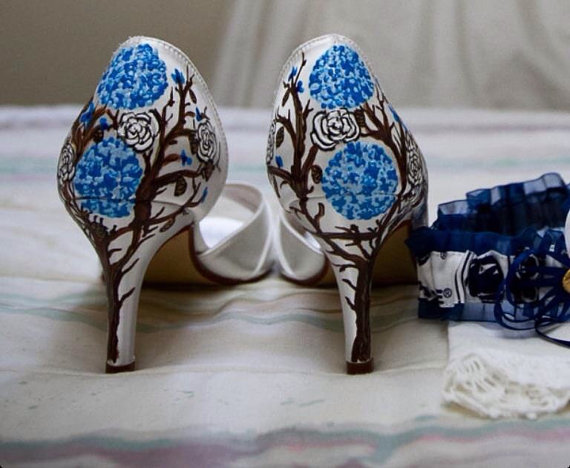 Mariage - Ivory Wedding Shoes,  blue hydrangea shoes, manzanita trees shoes, peonies and roses, roses shoes. Hydrangea wedding shoes, floral wedding