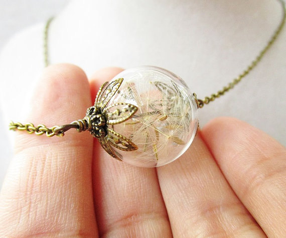 Свадьба - Dandelion Seed Glass Orb Terrarium Necklace, Small Orb In Bronze or Silver, Hipster Bridesmaid Jewelry