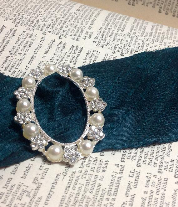 Mariage - pearl and crystal silver floral bouquet buckle diy wedding