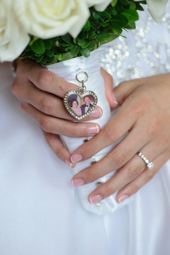 Mariage - Wedding Bouquet Charm, Bridal keepsake, HEART, Personalized, custom photo or image
