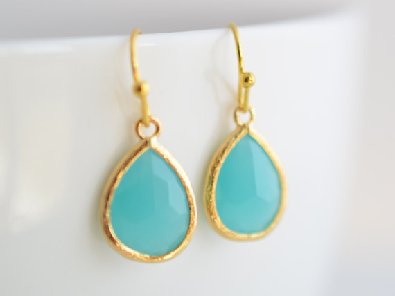 Mariage - SALE, Mint blue earrings, Summer earrings, Gold earrings, Simple earrings, Clip earrings, Glass earrings, Bridal jewelry, Bridesmaid gift
