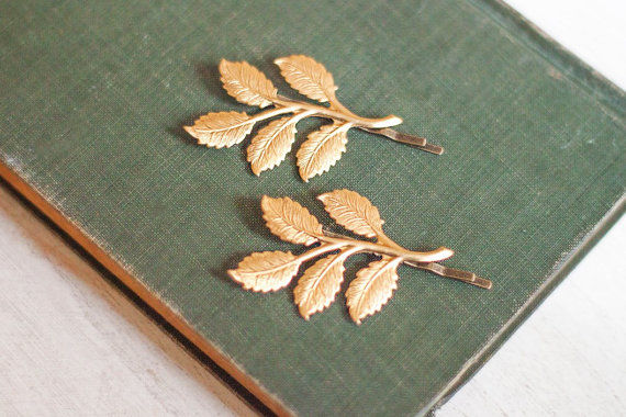 Свадьба - Gold Brass Branch Bobby Pins Gold Leaf Hair Clips Nature Hair Accessories Woodland Wedding Raw Brass Leaves Forest Fairy Pixie Hair Slides