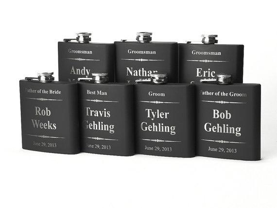 Свадьба - Personalized Groomsmen Gift, 7 Engraved Flasks, Groomsmen Flasks