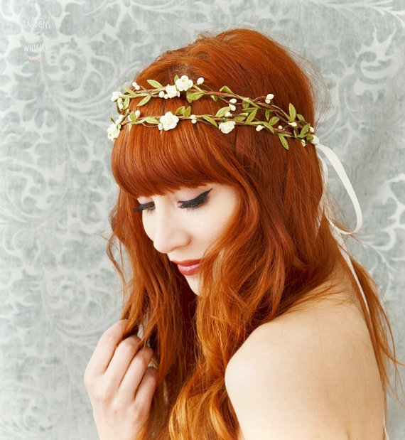 Свадьба - Floral crown, boho bridal headpiece, ivory flower crown, woodland hair wreath, rustic wedding hair accessories by Gardens of Whimsy on Etsy