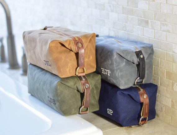Свадьба - NO. 345 Groomsmen Gift SET of 5 to 10 Personalized Men's Toiletry Bags, Handmade Dopp Kits, American Waxed Cotton Canvas and Horween Leather