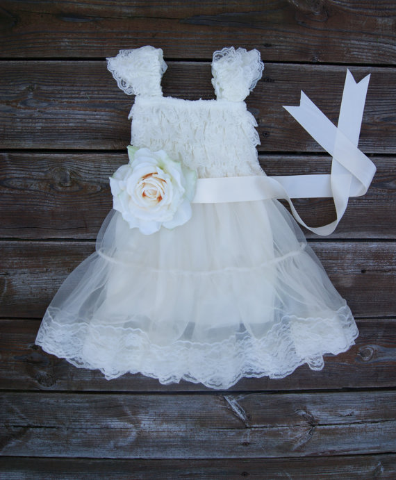 Lace flower girl dress rustic flowergirl dress vintage for Country wedding flower girl dresses