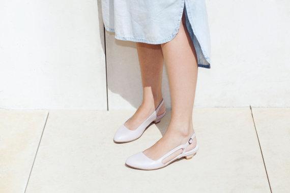 Свадьба - SALE 50% off Wedding Shoes , Bridal Shoe , Blush Pink  Low Heel Sandal , Pink Bridal Shoe , Closed Toe Slingback, Free Shipping