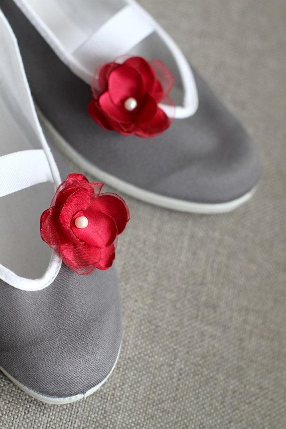 Свадьба - little queen flowers /ballet flats shoes wedding woman poletsy gift elegant spring summer comfortable red grey eco handmade vine deep