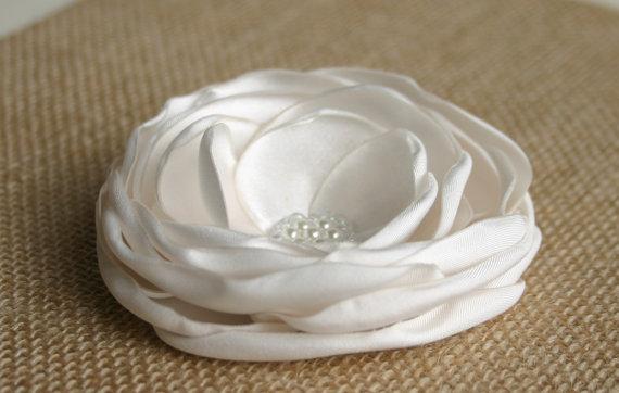 Mariage - Ivory Wedding Hair Accessory - Ivory Flower Hair Piece - Flower Hair clip - Bridal Accessories - Facinator