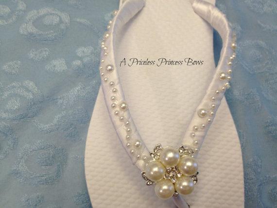 Mariage - White Wedding Pearl Flip Flops Beach Wedding Footwear Jandals Bride Beach Shoes Bridal Satin Bridesmaid  Rhinestone Crystal Embellishment