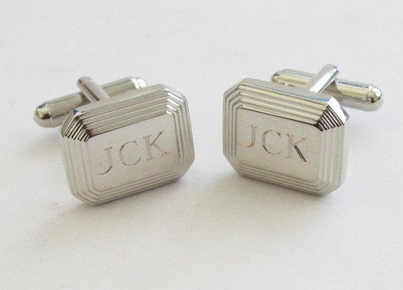 Свадьба - Set of 1 Groomsman, Groomsmen Cufflinks - Personalized Cuff Link Engraved  Monogrammed Cufflinks- Custom Cufflinks