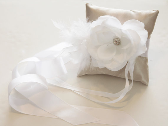 Mariage - Ivory Pillow Ring for Dogs, White Flower on Ivory Pillow, Wedding Dog Accessory, Ring Bearer Pillow