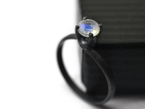 Свадьба - 5mm Blue Moonstone Ring, Minimalist Engagement Ring, Black Silver Ring, Oxidized Ring