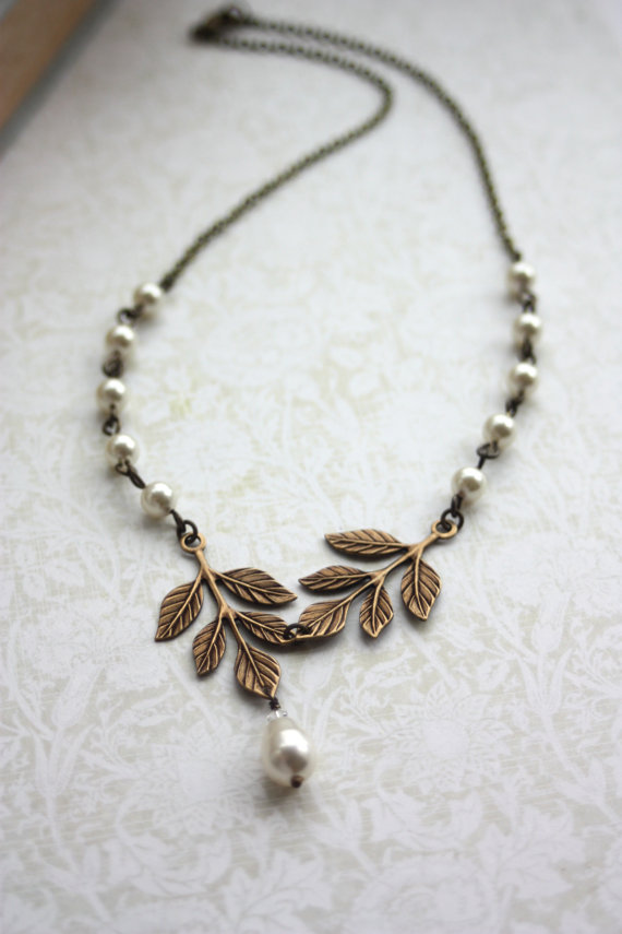 Mariage - Wedding Jewelry. Bridal Necklace. Brass Leaf, Ivory Pearls Leaves Necklace, Ivory Pearls Necklace. Nature Vintage Inspired. Bridesmaids Gift