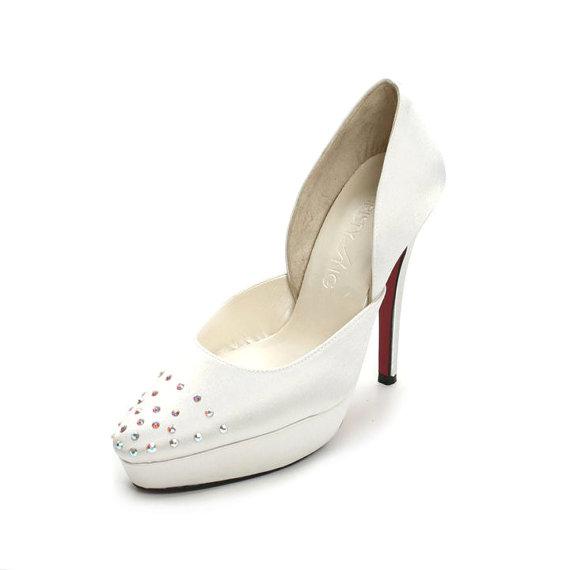 Mariage - Custom Made Wedding Heels, Ivory  Wedding Heels with Crystals, White Wedding Shoes, Ivory Closed Toe Pumps