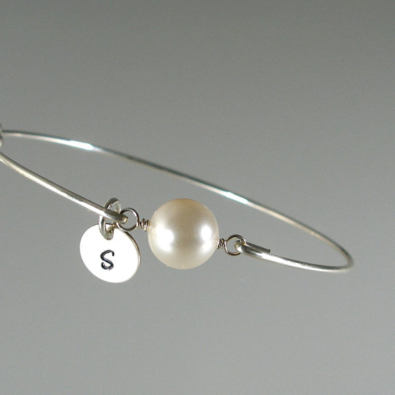 Mariage - Personalized Pearl Silver Bangle Bridesmaid Bracelet, Personalized Jewelry, Bridesmaid Jewelry, Bridesmaid Gift Idea, Bridal Jewelry  (P258S