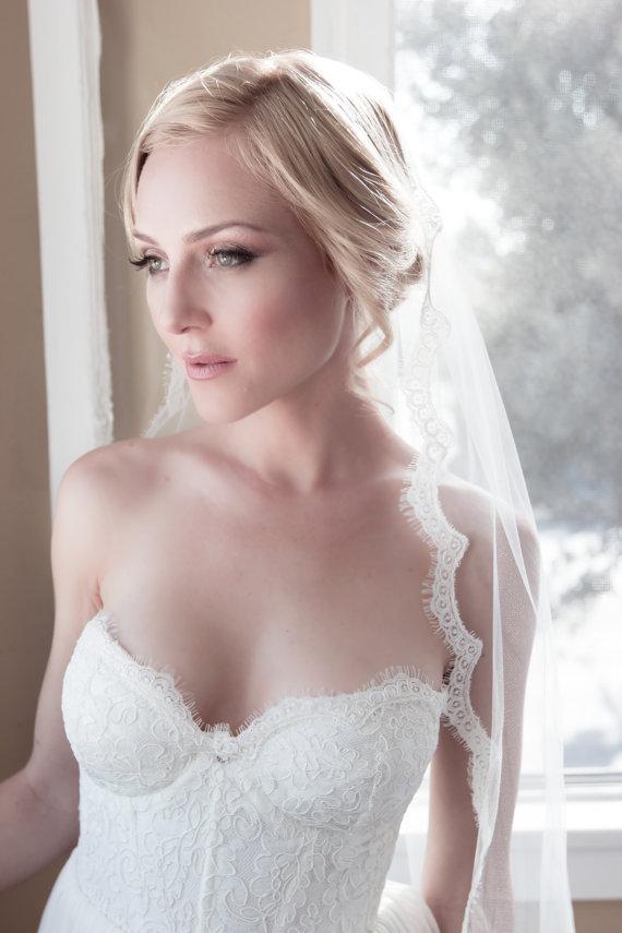 Mariage - Delicate Alencon Lace Border Bridal Wedding Veil, Chantilly Fringe Lady Eyelash Lace, Bridal Illusion Tulle, Style: Lil' Lady Eyelash #1102