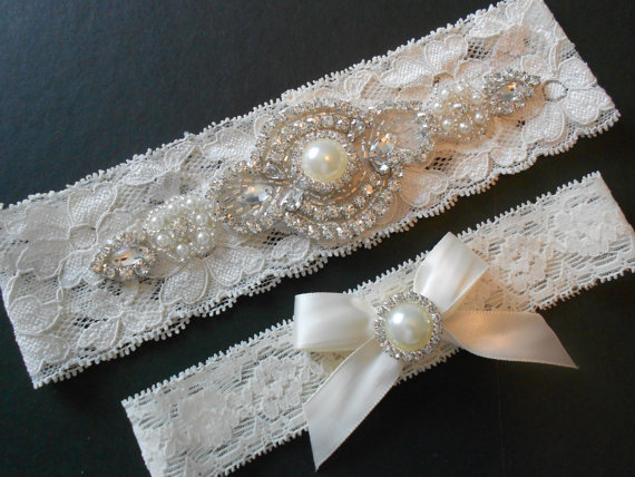 Mariage - Wedding Garter Set Iced Ivory Stretch Bridal Garter Set With Classic Pearls and  Rhinestones Bridal Garter Set.