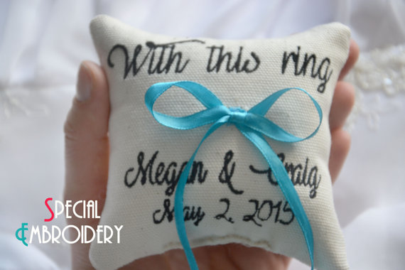 Mariage - Personalized Wedding ring pillow ,with this ring , ring pillow, ring bearer pillow, Custom embroidery (LR33)