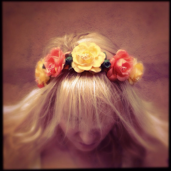 Mariage - Flower wedding crown headband bridal headpiece in orange yellow with veil