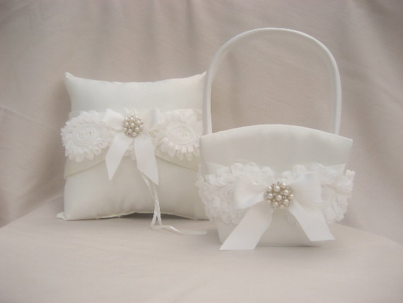 Hochzeit - Flower Girl Basket, Flower Girl Basket Flower Girl Basket and Pillow, Ring Bearer Pillow and Flower Girl Basket Set Shabby Chic