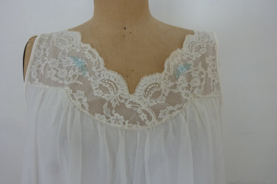 Hochzeit - Vintage Nightgown 70's Flirty Sheer Lace Negligee White Lingerie Size Medium Made by Shadowline