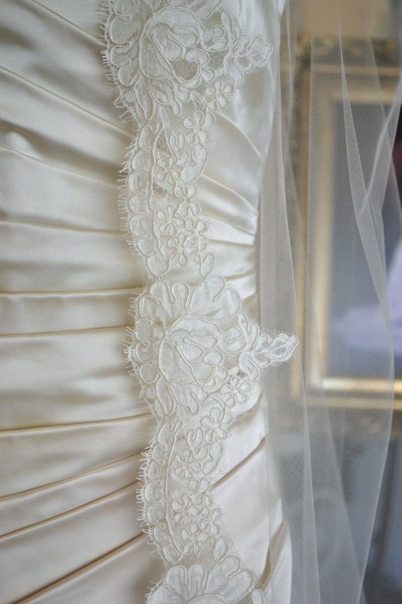Mariage - Cathedral Mantilla Veil, Cathedral Veil, Lace Cathedral Veil, Wedding Veils Mantilla, Mantilla Veils - Ivory or White