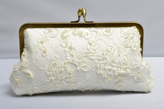 Hochzeit - Lace Bridal Clutch, Pearl Clutch, Beaded Purse, Ivory Bridal Clutch, Lace Wedding {Passion Pearl Lace Kisslock}