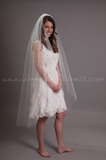 "Hochzeit - Waltz Tulle Bridal Veil 52"" Single Layer, Wedding Veil - Shakira Veil"
