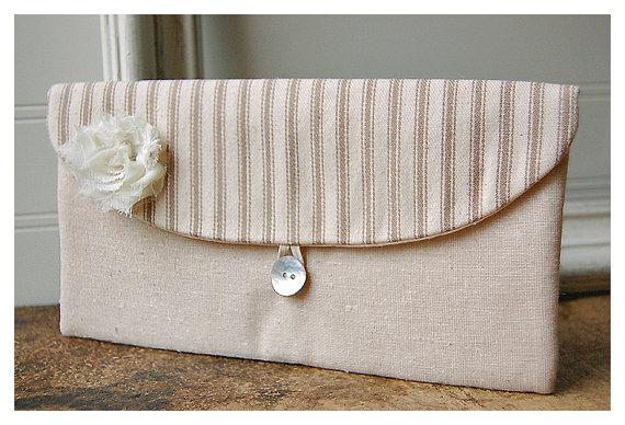 Mariage - Brown Wedding Clutch, Rustic Bridesmaid Clutch Bridesmaid Gift Idea, Wedding Accessory, Bridal Accessory, Bridal Clutch, Gift for Bridesmaid