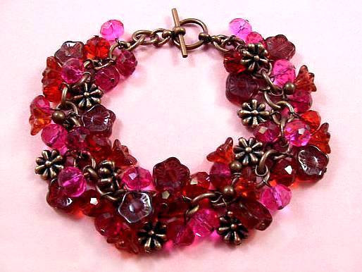 Свадьба - Flower Charm Bracelet, Berry Bouquet, Red Pink Purple and Copper Beaded bracelet, FREE Shipping U.S.