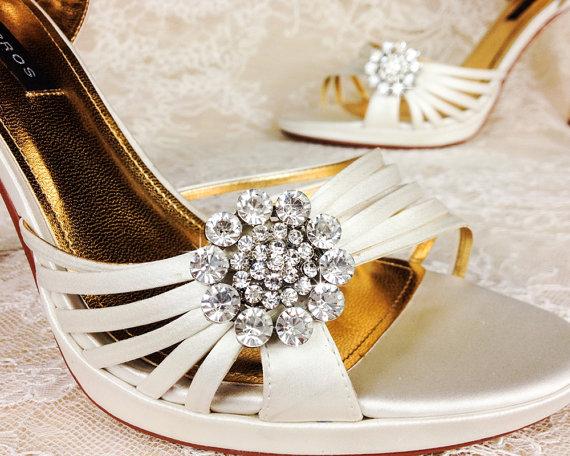 Mariage - Wedding Shoe Clips, Bridal Shoe Clip, Crystal Shoe clip, Rhinestone Shoe Clip, bridesmaids Shoe clips, Shoe embellishments