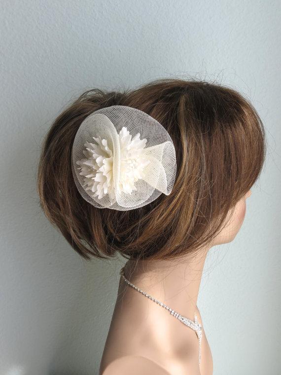 Свадьба - Ivory Mesh Bridal Headband Fascinator Wedding Head Piece Wedding Accessory Feathers Bridal Accessory