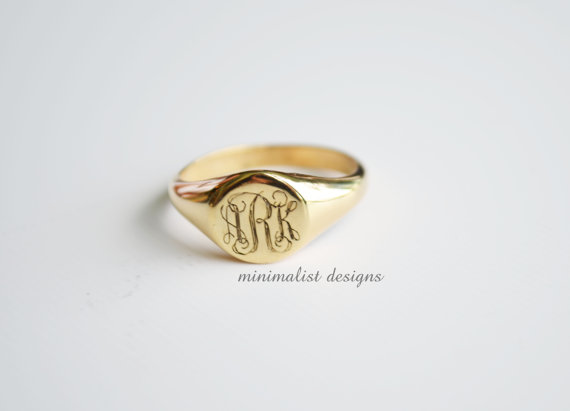 Свадьба - Sterling silver, Gold signet ring,Signet Ring,gold,Monogram, Engraved Monogram Ring, Bridesmaids Ring, Valentines Day, Christmas Gift