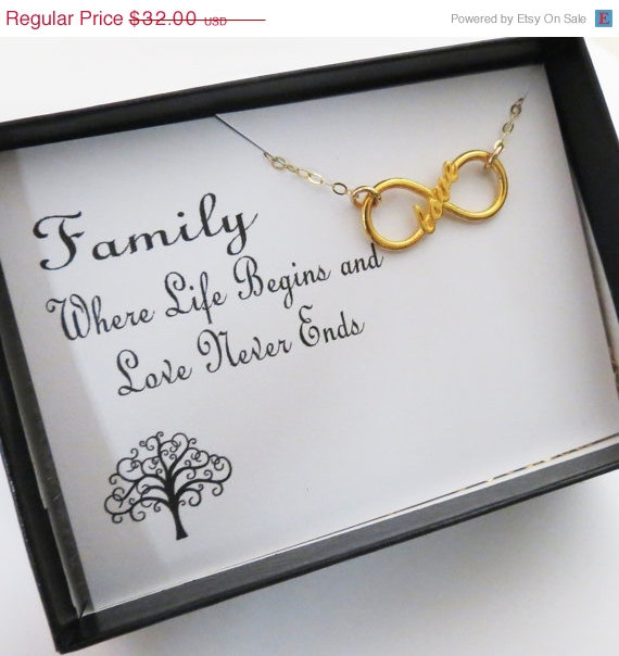 Mariage - WEEKEND SALE Infinity Love Pendant Necklace, Family Friendship Jewelry,Gold Vermeil Infinity Jewelry, Mother of the Bride, Wedding Necklace,